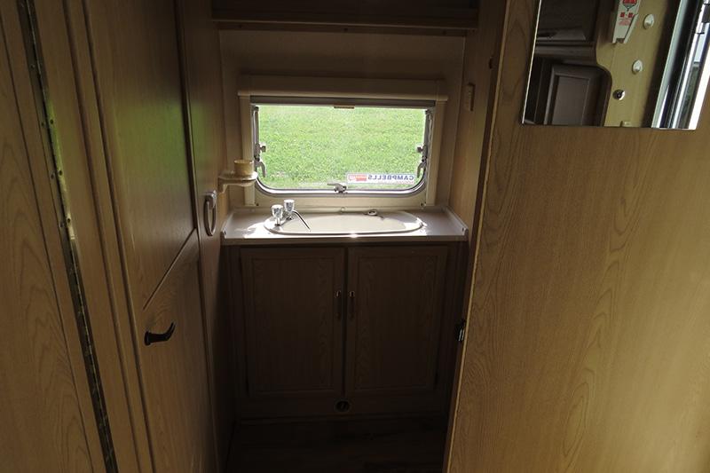 IMG_2932 touring caravan 83