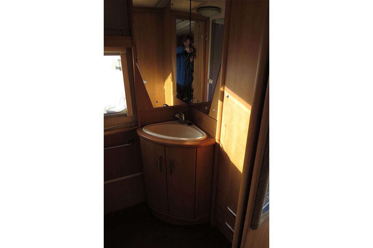 IMG_2951 touring caravan 91