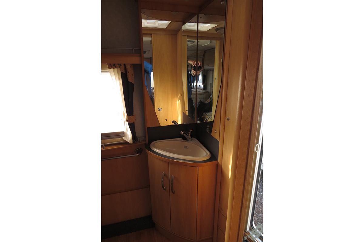 IMG_2962 touring caravan 92