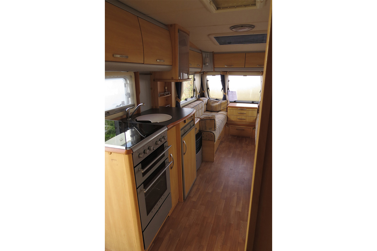 IMG_2963 touring caravan 92